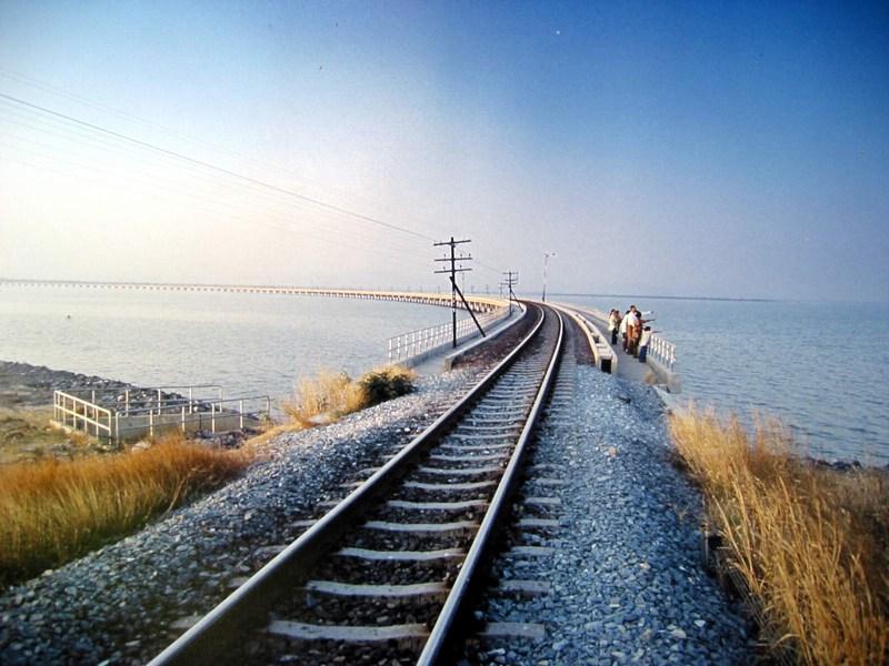 ทางรถไฟโคกสลุง  มุมถ่ายรูปญี่ปุ่นทิพย์ ลพบุรี ก็ฟินได้